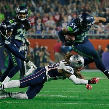 Seattle-Seahawks-Bobby-Wagner-Interception-New-England-Patriots-Brandon-Bolden-Super-Bowl-XLIX